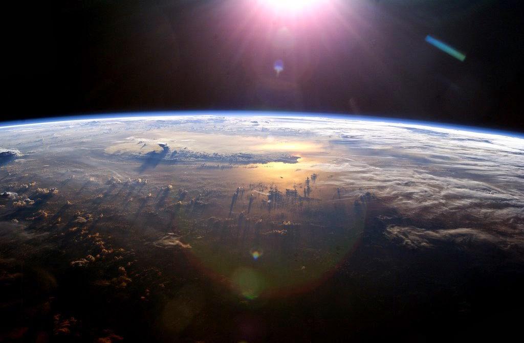 """Imagen del evento Ciclo de mesas debate: """"Crecer en un planeta finito y vulnerable"""""""