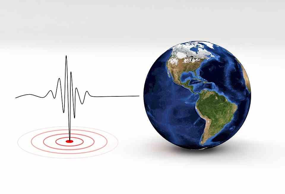 """Imagen del evento XII Ciclo de conferencias en Geología. """"El sismógrafo no es suficiente: el registro geológico de terremotos"""""""